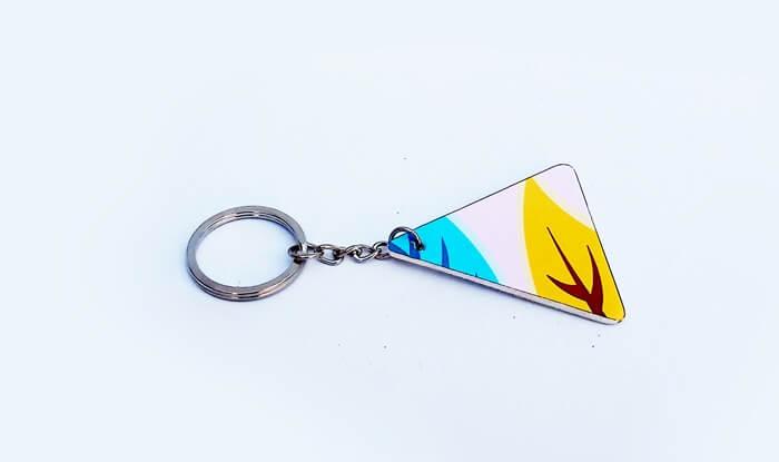 Llavero forma triangular personalizado